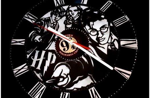 """Pendule """"Harry""""peinte sur véritable vinyl finie dispo pour le marché de Noël de …"""