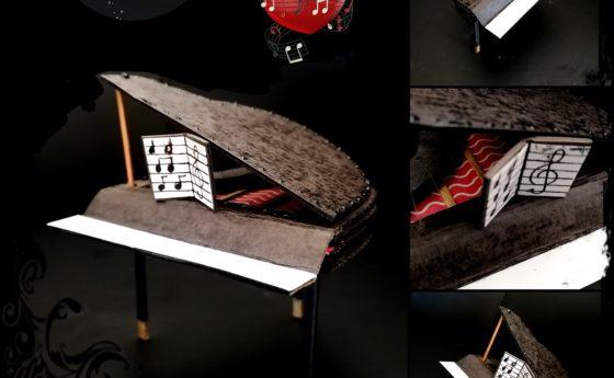 Voici mon mini piano pas totalement fini mais il en jette déjà je trouve  6 cm d…